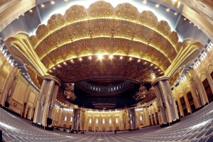 Inside Kuwait Grand Mosque (photo by Mathew Jacobs)